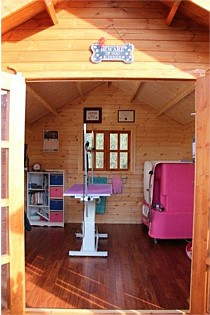 Pet Day Spa & Grooming Cabin