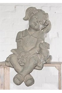 Little Girl Sitting Cherub / Figurine
